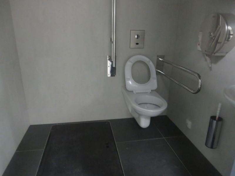 p es bari ry ve ejn wc metro wc metro a n dra veleslav n. Black Bedroom Furniture Sets. Home Design Ideas