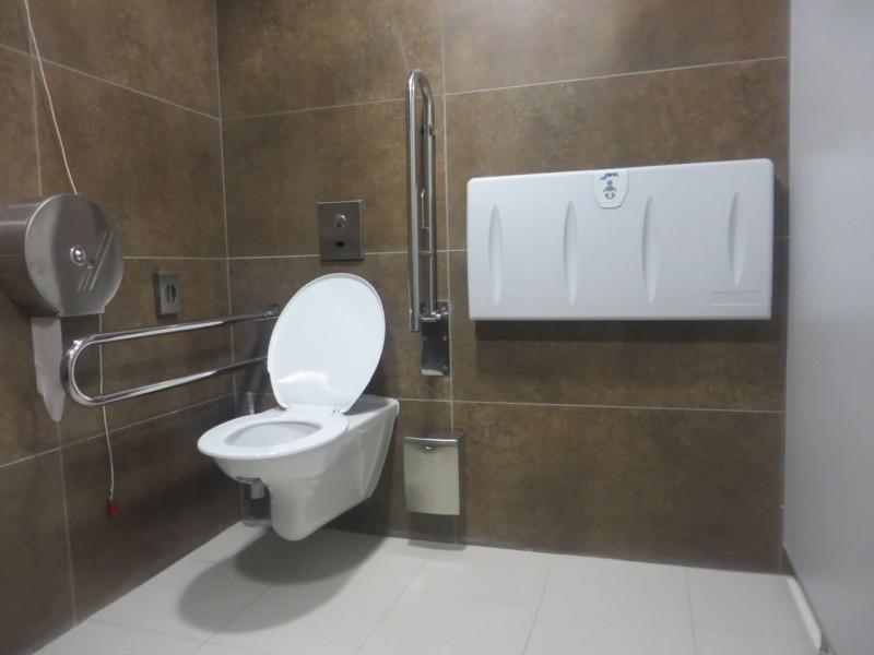 p es bari ry ve ejn wc metro wc metro a nemocnice motol. Black Bedroom Furniture Sets. Home Design Ideas